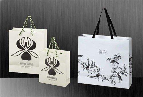 Giấy mỹ thuật tạo nên sự khác biệt cho thiết kế túi giấy