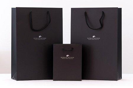 Túi giấy cao cấp được cán màn mờ sang trọng sau khi in màu