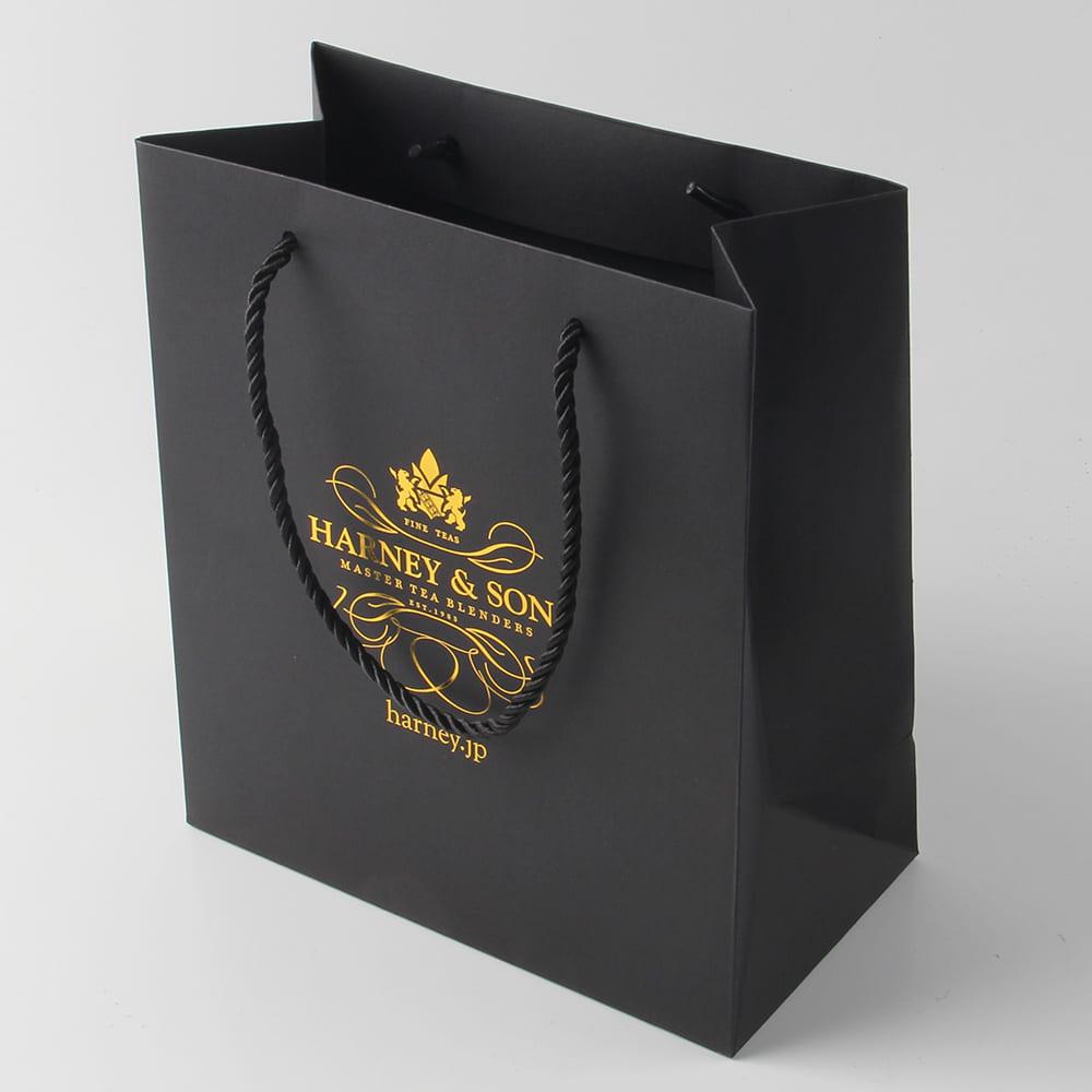 thiết kế túi giấy sang trọng