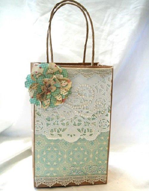 Túi giấy cao cấp có đính hoa