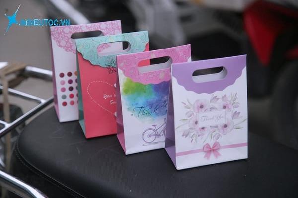 Mẫu túi giấy nắp gấp đựng quà - In Siêu Tốc