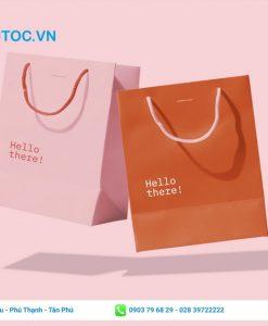 túi giấy cho shop thời trang trẻ trung