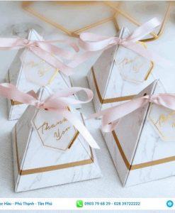 Hộp giấy đựng quà cưới