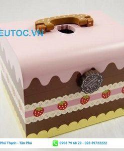 Sử dụng hộp giấy đựng bánh cupcake