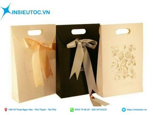 Túi giấy đựng quà gắn nơ nắp gập nhỏ xinh