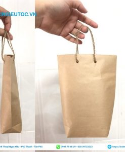 Túi giấy đựng bánh mì có quai